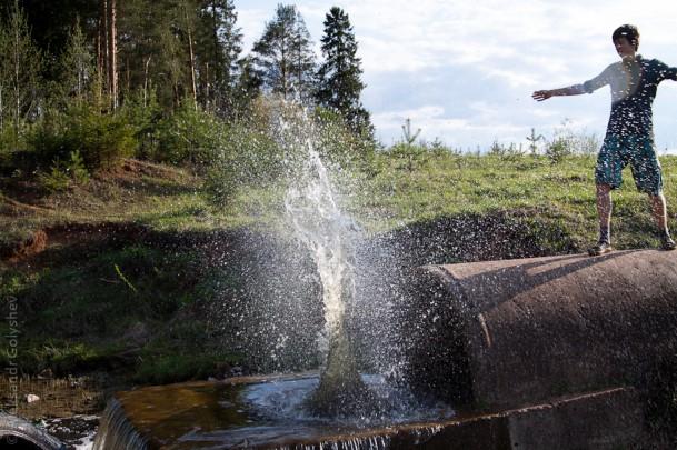 Камень в воду