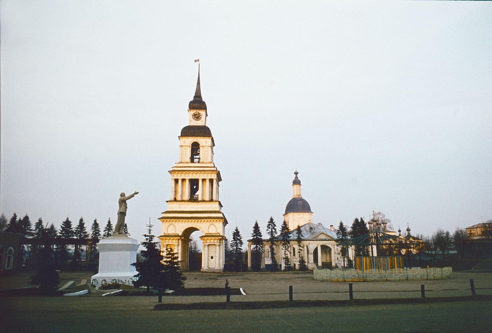 Площадь Революции ныне Соборная площадь