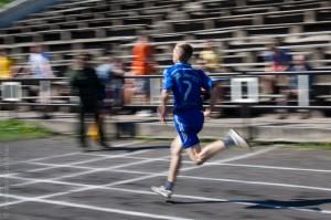 Бег на 100 метров. Съемка в проводку.
